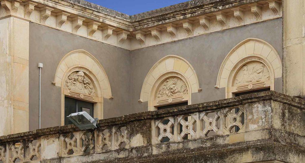 """Teatro comunale """"Nino Martoglio"""""""